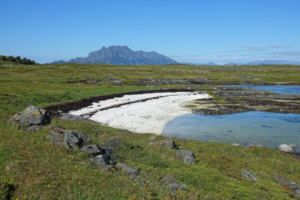 Helgeland has more white, sandy beaches than almost anywhere else. Most of them are tiny, though.
