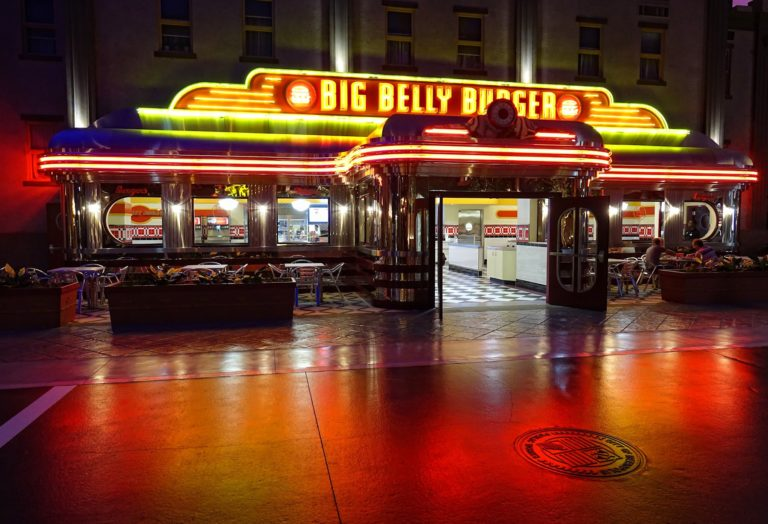 A Big Belly Burger outlet in Metropolis. This is one of Superman's favorite hangouts.