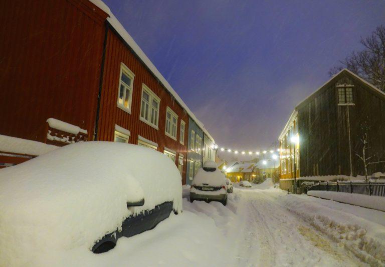 Car buried in snow in Trondheim.