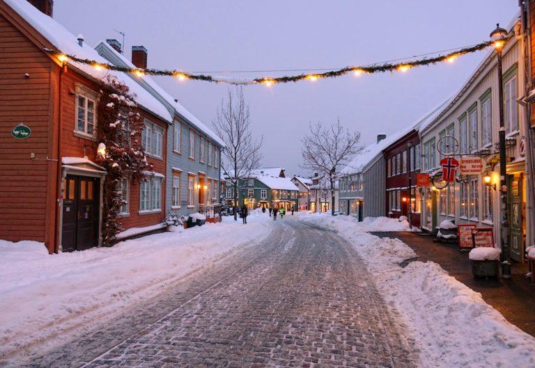 Bakklandet with Christmas decorations up.