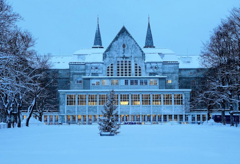 The backside of the main building of the university campus on Gløshaugen at NTNU.