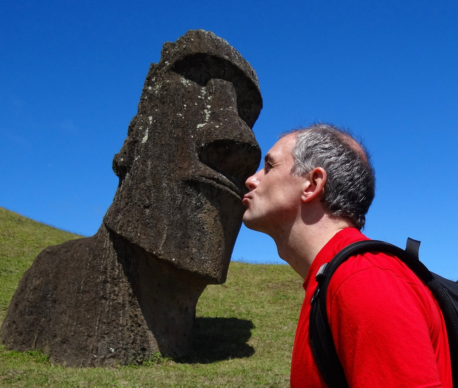 Everyone knows that Moai can walk, but did you know they are great kissers?