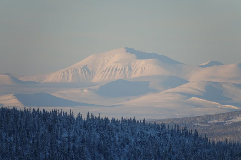 Winter day in the mountains, by Bjørn Christian Tørrissen.