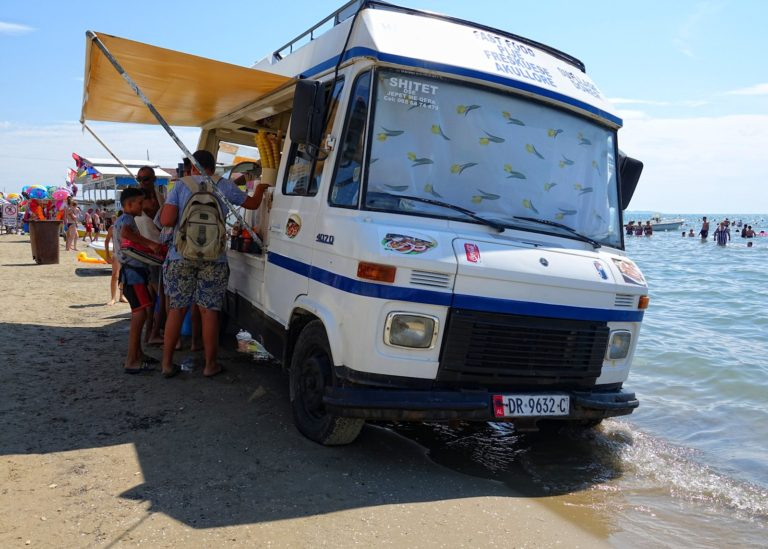 Mobile basic fastfood restaurant in Durrës, Albania.