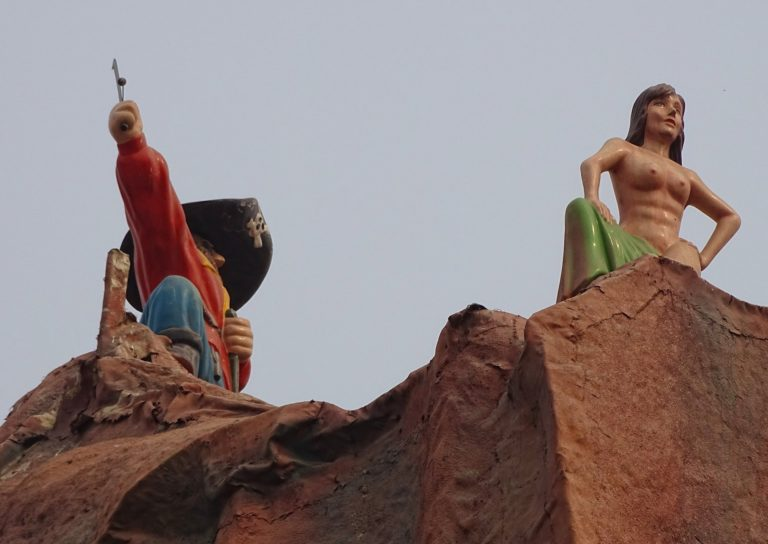 NSFW Peter Pan at Beijing Shijingshan Amusement Park