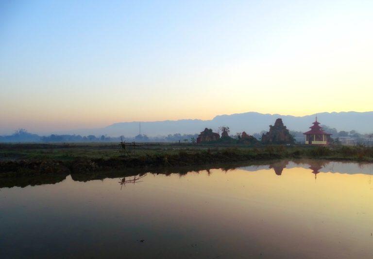 Mellow morning mood at the banks of Inle Lake.