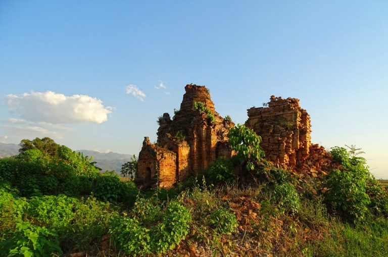 Wherever you go in Myanmar, there seems to be a temple ruin picturesquely hide in the shrubs.