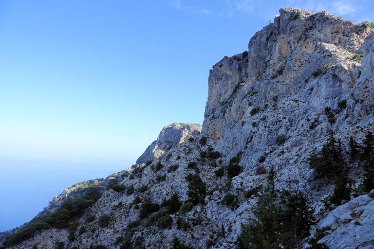 Photo of the Great Wall of Turkey near Alinca.