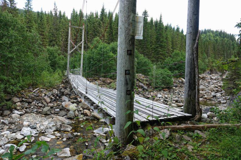 Basic bridge for hikers in Lomsdal-Visten national park.