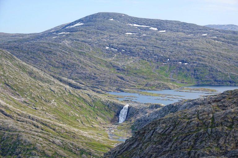 Grunnvassfossen in Lomsdal-Visten National Park.