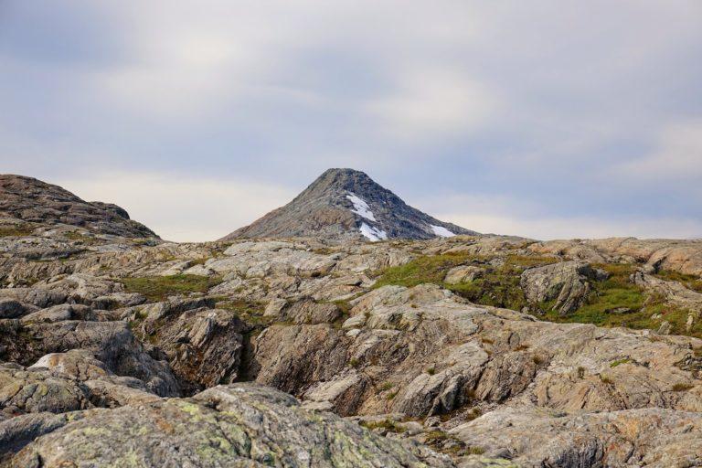 Lauvvasttind mountain in Lomsdal-Visten National Park looks like a volcano.