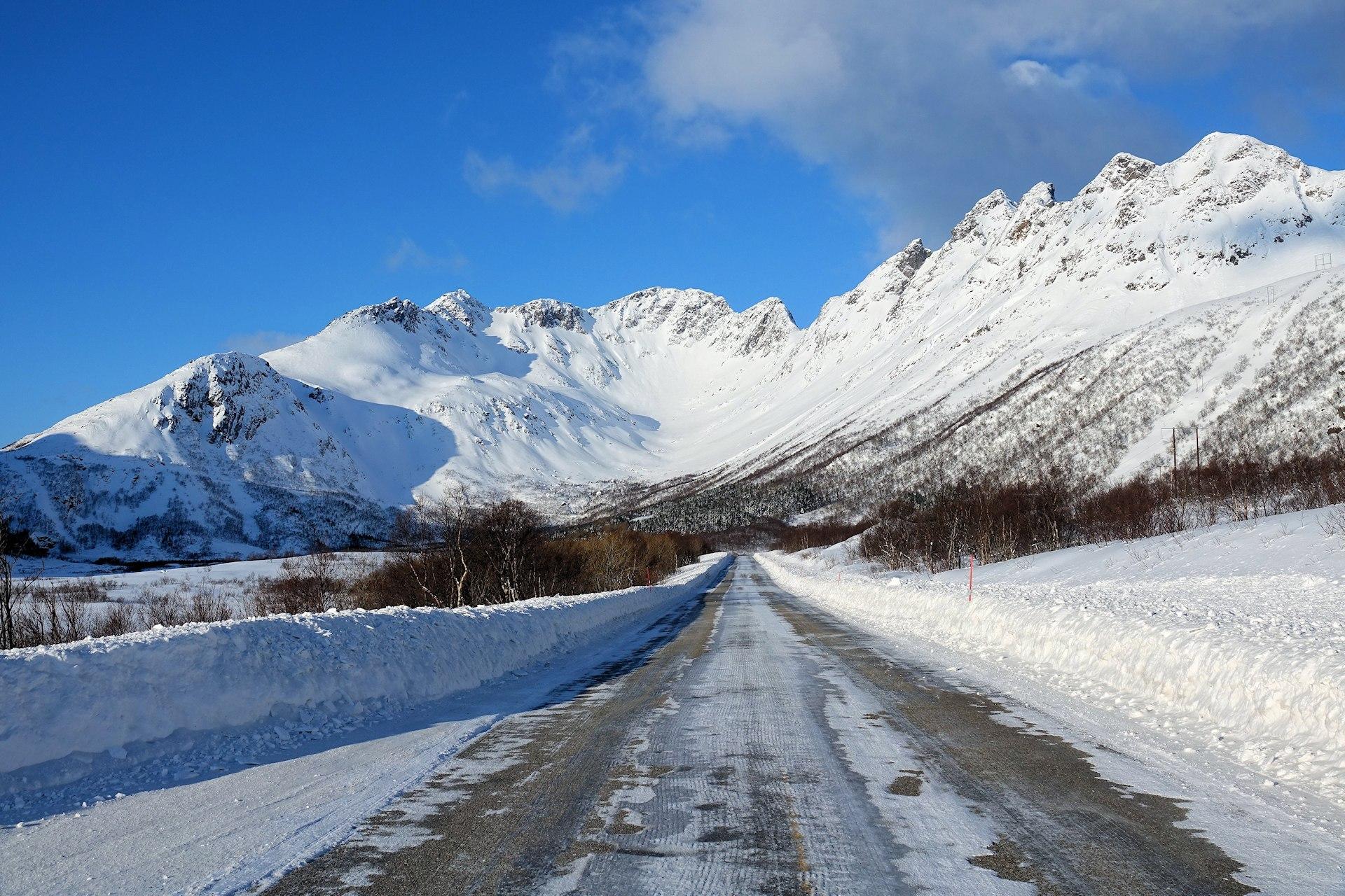 Photo of main road E10 through Lofoten, Norway