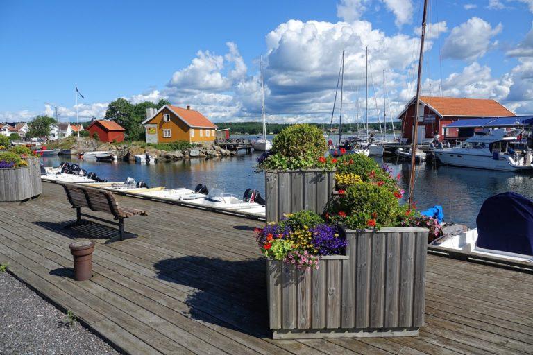 Photo of summer coziness in Nevlunghavn, Norway.