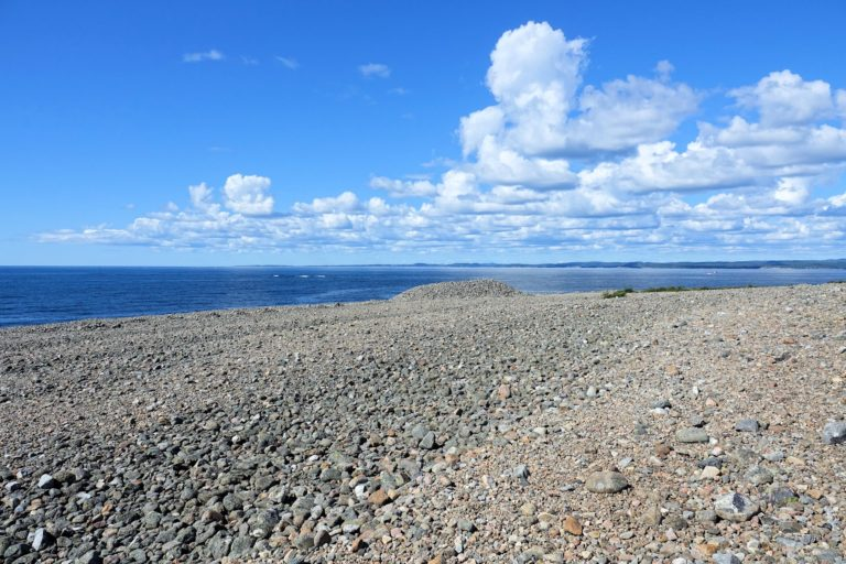 Photo of iron age grave mounds in Mølen, Norway.