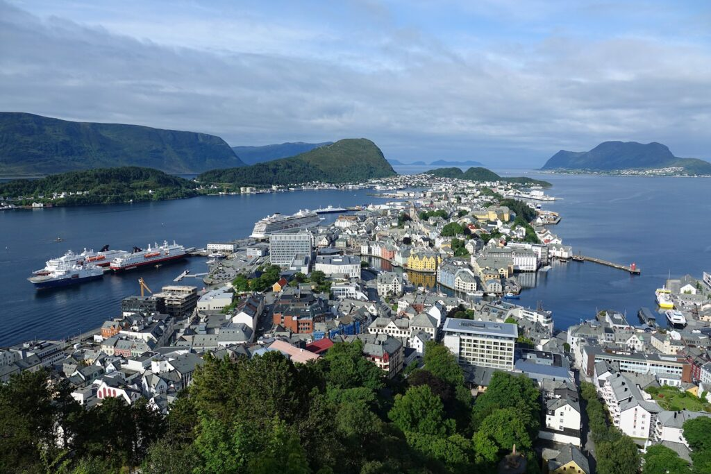 Typical photo of Ålesund as seen from Aksla.