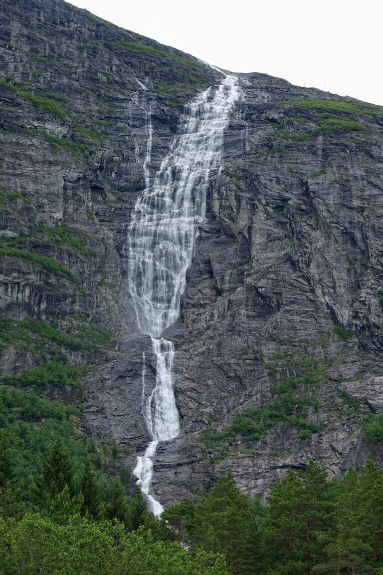 Photo of Mongefossen, Norway.