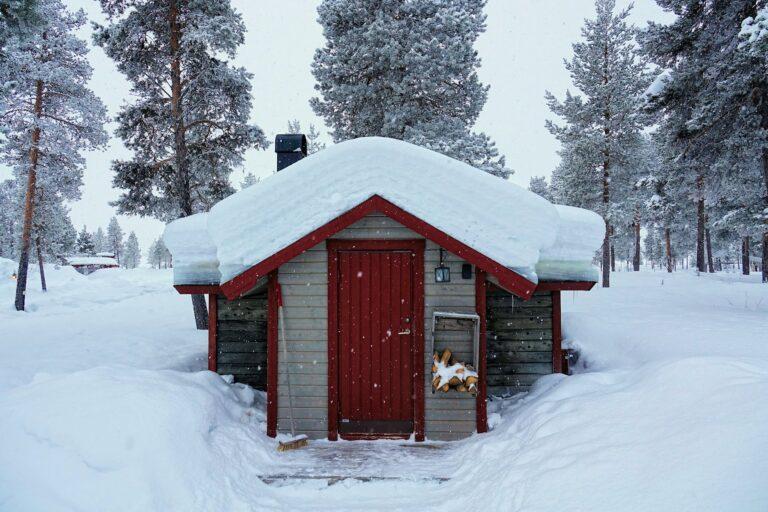 Photo of cabin at the Reindeer Lodge, Jukkasjärvi, Sweden.