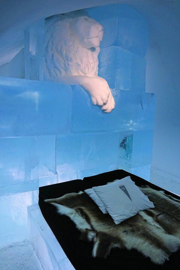 Photo of Lion King meets Frozen at the Icehotel in Jukkasjärvi, Sweden.