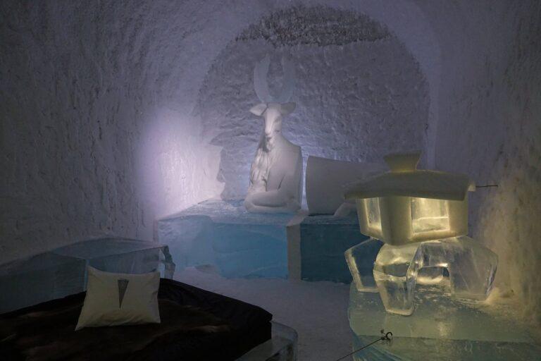 Photo of the room Oh Deer at the Icehotel in Jukkasjärvi, Sweden.