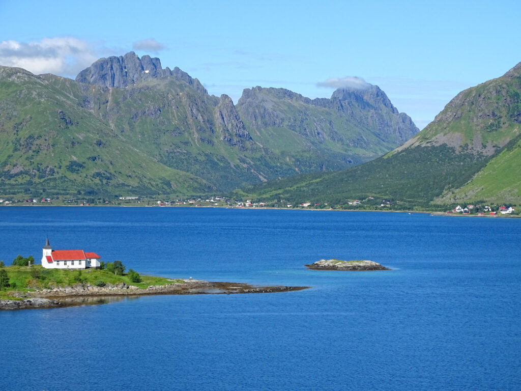 Sildpollneset, Lofoten, in summer.