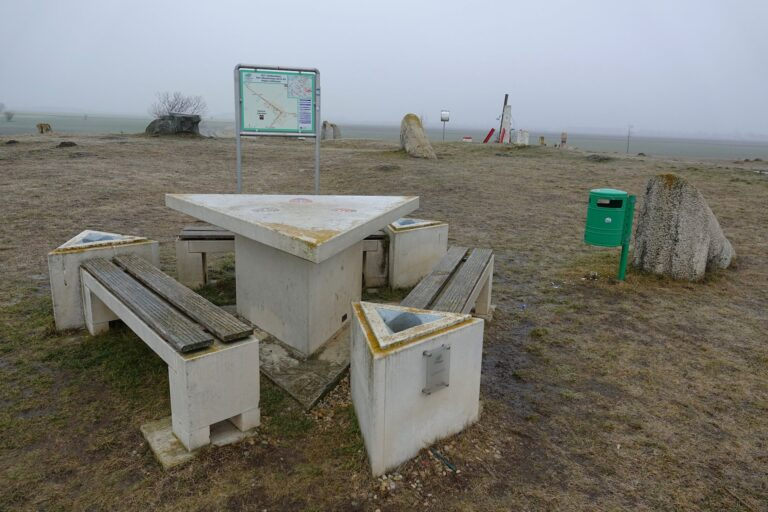 Photo of picnic table on the tripoint where Slovakia, Austria and Hungary meets.
