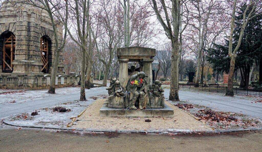 Photo of Luzja Blaha grave in Budapest, Hungary