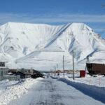 Photo of Hiorthfjellet from Longyearbyen, Svalbard