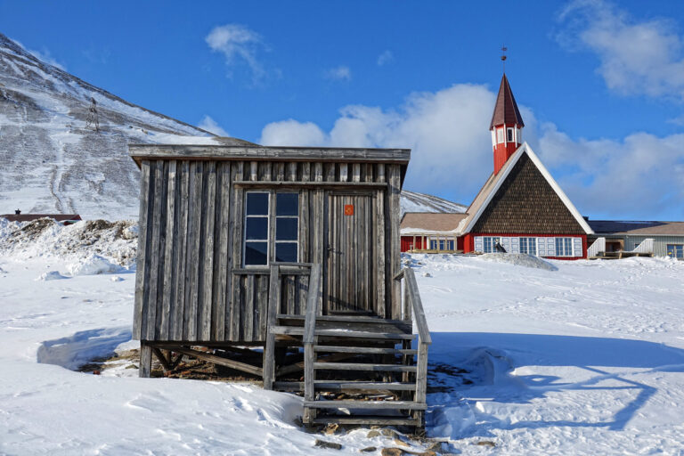Photo of the oldest standing building in Longyearbyen, Svalbard.
