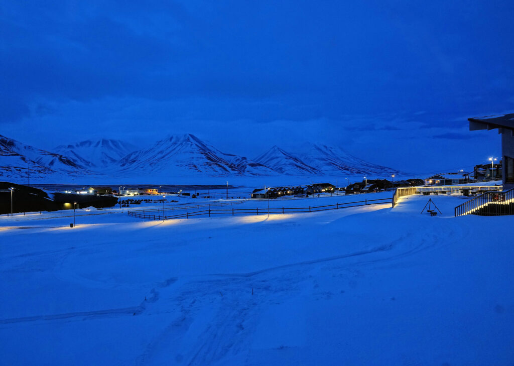 Photo of one of the last relatively dark nights in late March on Svalbard.