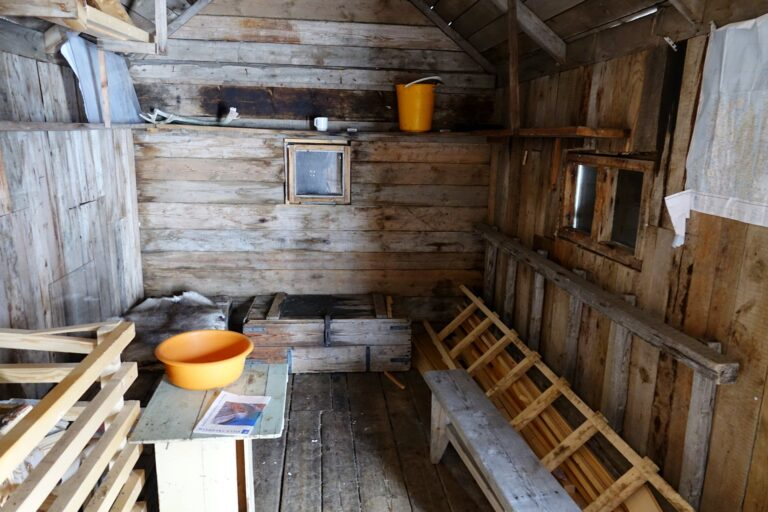 Photo from inside the emergency hut at Fredheim, Svalbard.