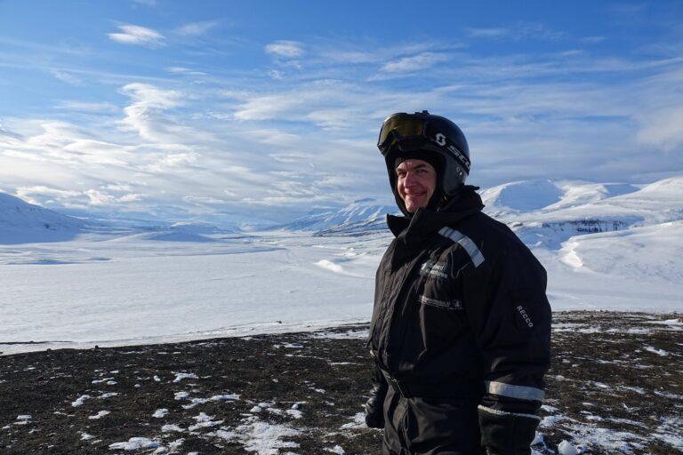 Photo of happy Bjørn on Brentskarhaugen.