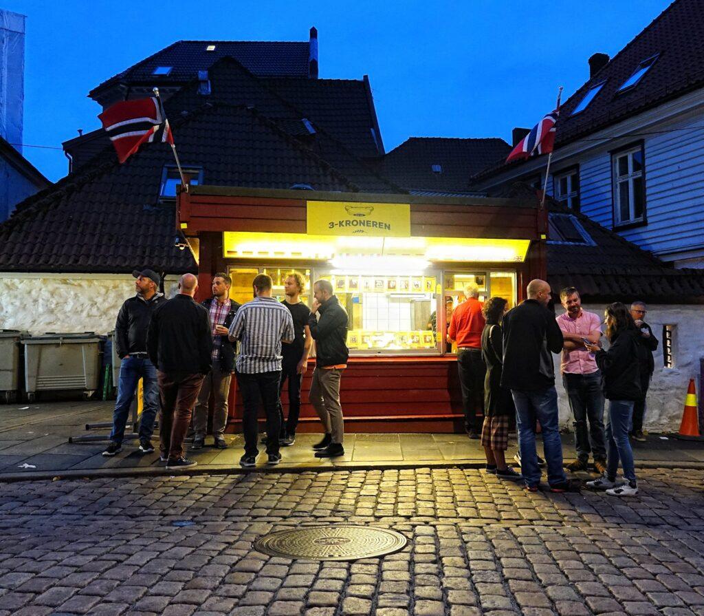Photo of Trekroneren hot dog stand in Bergen, Norway.