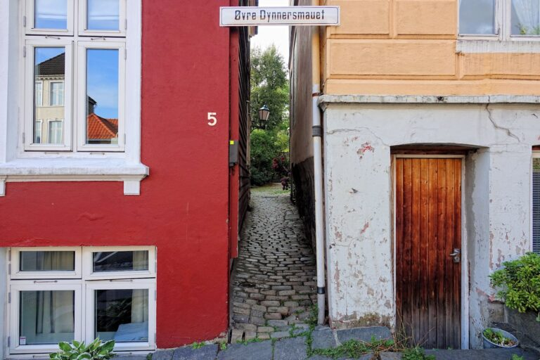 Photo of Øvre Dynnersmauet, one of the narrowest streets in Bergen, Norway.