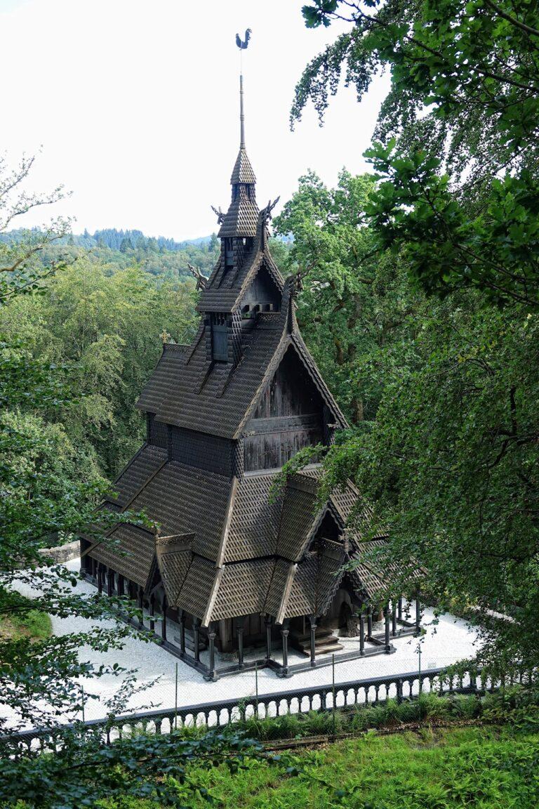 Photo of Fantoft stave church.