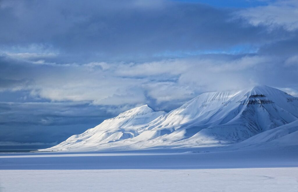 Photo of Hiorthfjellet from Adventdalen, Svalbard.