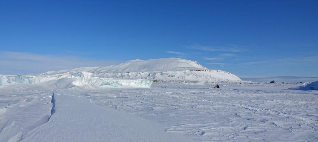 Photo of Teistberget and Mohnbukta, Svalbard.