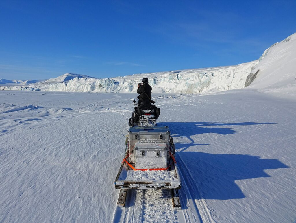 Photo of sight-seeing on a guided tour to Mohnbukta, Svalbard.